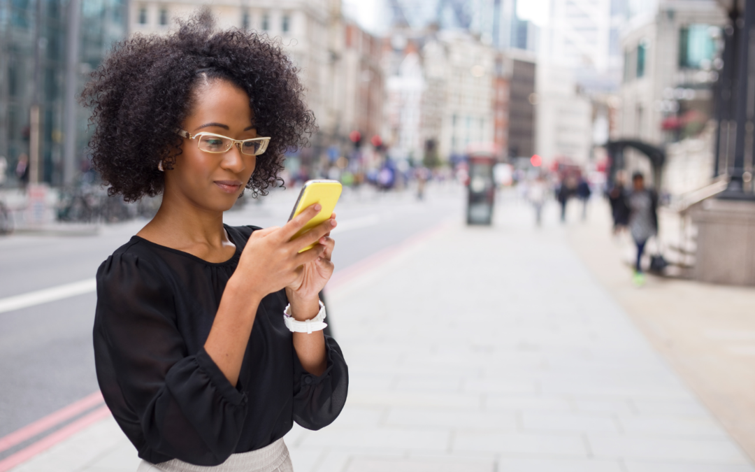 3 Smart Reasons to Build a Mobile App for Your Small Business - Lady on phone image